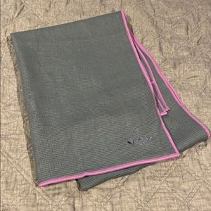 Yoga mat cover with carrying case- non slip